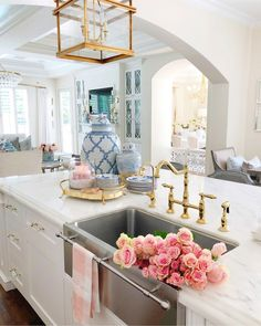Gorgeous gold sink taps for the kitchen and bathroom - perfect interior design addition and modern home decor. Image via (This is an affiliate link which means I could receive a small commission if you purchase the product through this link) Diy Home Decor Rustic, Home Decor Kitchen, Interior Design Kitchen, New Kitchen, Home Kitchens, Kitchen Sink, Kitchen Mixer, Marble Interior, Kitchen Retro
