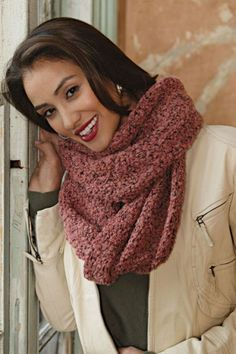 How to make an Infinity Scarf   Keep warm with this designer-inspired accessory from SewStylish Fall Fashion 2010.