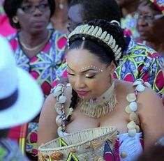 Nigerian Weddings, African Weddings, Braided Chignon, Engagement Party Dresses, Traditional Wedding Attire, African Attire, Princess Wedding, African Fabric, Hair Dos