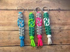Paracord Infinity Key Chain Includes only 1 от ParacordLadyHis and Hers Infinity Bracelets by ParacordLady on Etsy Macrame Bracelet Patterns, Macrame Bracelets, Ankle Bracelets, Infinity Bracelets, Paracord Keychain, Paracord Bracelets, Snake Knot, Key Fobs, Key Chain