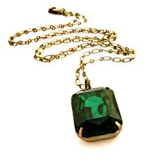 Emerald green vintage necklace, reminds me of Horcrux necklace