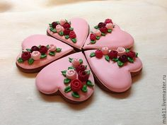 cookie hearts with ribbon roses