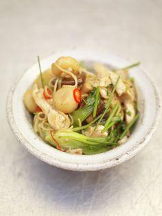 Chicken chow mein with bok choi & water chestnuts