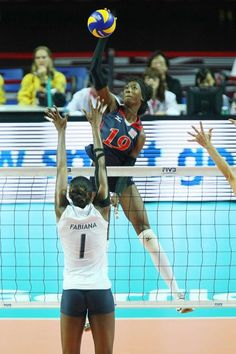 Ladies and gentlemen the starting outside for the US Olympic team. Olympic Volleyball, Female Volleyball Players, Volleyball Team, Olympic Team, Beach Volleyball, Volleyball Articles, Volleyball Photos, Us Olympics, Olympic Athletes