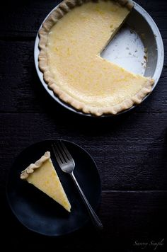 If you like grapefruits, you will LOVE grapefruit pie. Only 4 ingredients! cookies few ingredients simple condensed milk Grapefruit Pie Ingredient Recipe! Grapefruit Pie, Grapefruit Recipes, Pie Dessert, Eat Dessert First, Dessert Recipes, Pie Recipes, Just Desserts, Delicious Desserts, Yummy Food