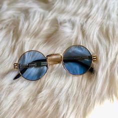 Cute Sunglasses, Trending Sunglasses, Sunglasses Women, Sunnies, Glasses Frames Trendy, Cool Glasses, Circle Glasses, Glasses Trends, Fashion Eye Glasses
