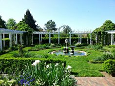 Jenny's Garden at Fearrington House in Pittsboro, N.C. via @Skimbacolifestyle.com