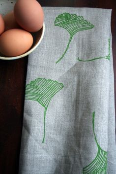 Etsy - Pony and Poppy - Green Ginkgo Leaf Natural Linen Tea Towel
