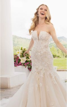 Drama meets modern glamour in this strapless fit-and-flare wedding dress from Martina Liana. Elegant Wedding Dress, Designer Wedding Dresses, Bridal Collection, Dress Collection, Bridal Elegance, Mod Wedding, Wedding Happy, Dream Wedding, White Gowns