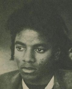 Michael Jackson to be on the cover of Italian Vogue magazine Jackson Family, Jackson 5, I Call Your Name, Michael Jackson Rare, He Is My Everything, King Of Music, The Jacksons, Guinness World, Forever Love