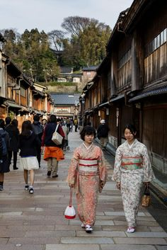 Higashi Chaya looks like a sound stage for a 19th-century costume drama: There's not a single visible power line to distract visitors from its vintage ambience.