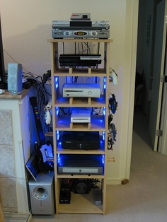 Ultimate gamer cabinet, as built by Kriseattle22 (Flickr).