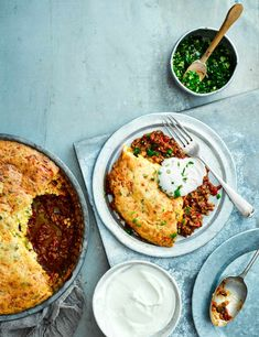 Try our chilli cornbread pie recipe. This cornbread chilli pie is an easy pie recipe with chilli. Make our hearty beef pie recipe for a family midweek meal Best Beef Recipes, Easy Pie Recipes, Beef Recipes For Dinner, Cooking Recipes, Mince Recipes, Savoury Recipes, Cornbread Pie Recipe, Creamed Beef, Kitchens