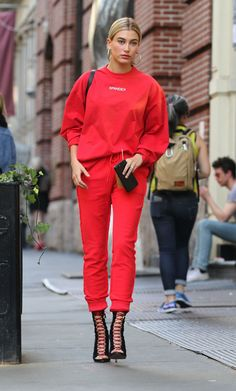 Hailey Baldwin Out in New York 04/28/2017. Celebrity Fashion and Style | Street Style | Street Fashion