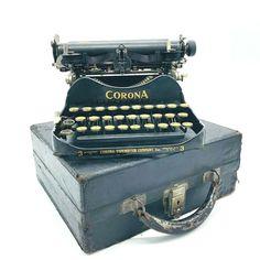 Antique 1917 Corona 3 Folding Portable Typewriter w/ Case Tested & WORKING #Corona #CoronaTypewriterCompanyInc Smith Corona Typewriter, Portable Typewriter, Vintage Typewriters, Folded Up, Rare Antique, Will Smith, Vintage Antiques, Restoration