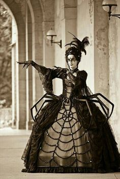 Amazing bookish Halloween costumes for children: the Queen of Hearts from Alice in Wonderland. Description from pinterest.com. I searched for this on bing.com/images