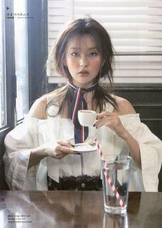 Lulamulala (@Lulamulala) / Twitter Seulgi Photoshoot, Red Velvet Photoshoot, Red Valvet, Celebrity Magazines, Kang Seulgi, Red Velvet Seulgi, Kim Yerim, Poses, Sooyoung