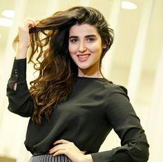 Pakistani Girl, Pakistani Actress, Hareem Farooq, Bridal Chura, Celebrity Singers, Popular People, Stylish Girl Pic, Beautiful Indian Actress, Cute Faces