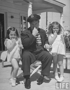 Lou Costello and his daughters