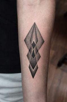 Redberry Tattoo Studio Wrocław #tattoo #inked #ink #studio #wroclaw #warszawa #tatuaz #dresden #redberry #katowice #redberrytattoostudio #amaizingtattoo #poland #berlin #eztattoo #edzlotin #zlotin #sketch #geometric #symbol #arrow #dots #dotwork #project #design