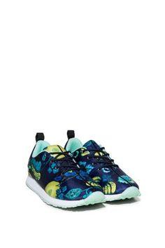 Dámské Sportovní Oblečení / Different.cz - 2199 Kč Running Shoes, Ss, Sneakers, Sports, Fashion, Runing Shoes, Tennis, Hs Sports, Moda