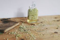 Like an elderflower cordial, but just a little bit more fun; the sweet and musky perfume of elderflower pairs perfectly with the classic juniper taste of gin. Serve with cloudy English apple juice … Gin Recipes, Fruit Recipes, Fruit Gin, Pineapple Mojito, Elderflower Cordial, Elderberry Recipes, Mary Berry, Cocktail Drinks