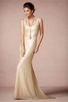Vestido de novia 2014 en color oro con silueta tradicional y cauda estilo barrido - foto BHLDN