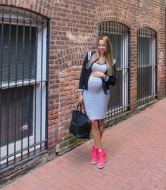 Pregnancy Outfit Ideas: Laid Back Style.