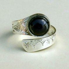Handmade jewelry silver ring Bijoux tuareg ethnique ring en argent homme /femme Handmade Silver, Handmade Jewelry, Silver Jewelry, Silver Rings, Jewelry Bracelets, Gemstone Rings, Wedding Rings, Engagement Rings, Gemstones