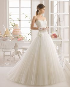 2015 Simply Ball Gown Sweetheart Court Train Draped Flowers Lace Wedding Dress - Dolcedress.com