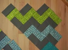 crazy mom quilts: how to make a zig zag quilt (without piecing triangles!) - May have posted something similar to this but really like how it looks and how easy it is. Chevron Quilt Tutorials, Chevron Quilt Pattern, Easy Quilt Patterns, Quilting Tutorials, Quilting Projects, Quilting Designs, Sewing Projects, Quilting Ideas, Sewing Ideas