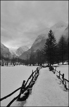 redbirdinthesnow:    Val di Mello by Gottry on Flickr.  http://www.turistarth.com/l-emozione-del-paesaggio/46-co-cambiamento-nel-paesaggio-e-con-il-turismo-culturale