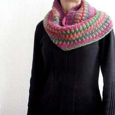 Inspira Cowl (by CeleryStalk on Ravelry) - so beautiful and a free pattern