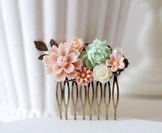 Menthe et rose fleurs cheveux peigne, peigne à cheveux mariage menthe, Floral Bridal peigne, feuilles peigne à cheveux, peigne à cheveux demoiselle d