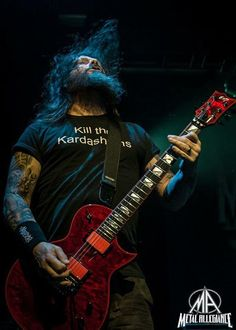 Gary Holt - A hero of thrash. Not a flashy guitarist, but if you want fast, think, thrashy riffs he's got you sorted. Heavy Metal Rock, Heavy Metal Music, Heavy Metal Bands, Rob Zombie, Recital, Gary Holt, Metal Meme, Kerry King, Black Label Society