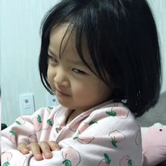 41 Ideas For Ulzzang Baby Kids Girl Cute Asian Babies, Korean Babies, Asian Kids, Cute Babies, Baby Kids, Cute Baby Meme, Baby Memes, Yuri Wallpaper, Twin Baby Photography