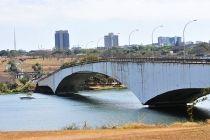 Governador sanciona sete leis de autoria do Legislativo - http://noticiasembrasilia.com.br/noticias-distrito-federal-cidade-brasilia/2015/08/27/governador-sanciona-sete-leis-de-autoria-do-legislativo/