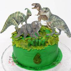 Good morning!! vamos, arriba! rugir como los dinosaurios que nos vamos a comer el sabado!! Happy day! #cakesforkids #tartasparaniños #fondant # fondantcake #tartafondant #tartadinosaurios #dinnossaur #dinnssaurcake #instacake #cakestagram #bake#bakery #baking #baked #yummy #yumyummy #foodie #foodstagram #food #foodblog #foodblogger #tartasdelunallenablog #tartasdelunallena http://tartasdelunallena.blogspot.com.es/
