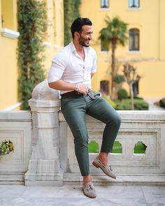 63 Ideas for sport oufits men moda masculina White Shirt Outfits, Outfits Casual, Stylish Mens Outfits, Outfit Jeans, Mode Outfits, Men Casual, Green Outfits, Casual Styles, Dress Casual