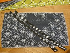 Tuto pochette porte-cartes - * * * Le Blog de ValèrIdées * * * Shoulder Bag, Blog, Step By Step, Sewing Tutorials, Purses, Patterns, Sewing For Beginners, Tutorial Sewing, Map Fabric
