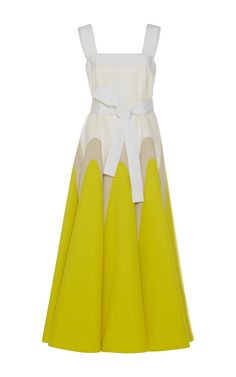 **DELPOZO& midi dress features a daffodil yellow design at the hems of calf length sleeveless dress. The bright hues make it ideal for warmer temperatures. Marni Dress, Style Français, Yellow Midi Dress, Calf Length Dress, Delpozo, Belted Dress, Star Fashion, Pattern Fashion, Beautiful Dresses