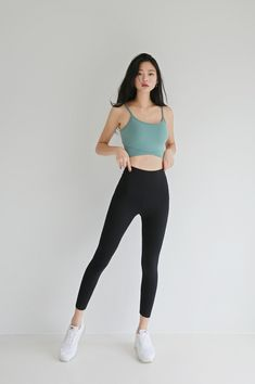Best 12 Kyungri Does Super Hot Yoga Pants Photoshoot For Jane Court — Koreaboo – SkillOfKing. Fashion Poses, Teen Fashion Outfits, Sport Outfits, Trendy Outfits, Cute Outfits, Girl Outfits, Skinny Girl Body, Skinny Girls, Korean Girl Fashion