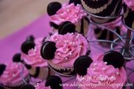 ZEBRA OREO | ... Zebra print liners, pink frosting with pearls and mini oreos for ears