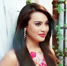 Indian Celebrities, Bollywood Celebrities, Bollywood Actress, Girls Dp, Cute Girls, Kids Blouse Designs, Indian Tv Actress, Cute Faces, Beauty Queens