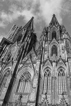 cologne cathedral towers