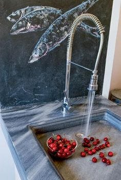 Today in Trendhome we shall whisk you away to the beautiful Greek island of Serifos, where architect George Zafiriou and designer Manolis Pandelikdakis combined forces to create this lovely Greek abode. Remodelista, Decor, Greek House, Stone Sink, Building A New Home, Home Deco, Retreat, House On The Rock, House Blend