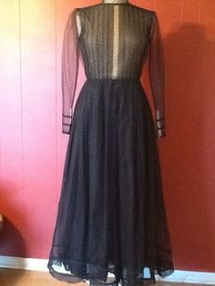 SALE Pauline Trigere Designer 1950s Lace amazing dress Circle Gown