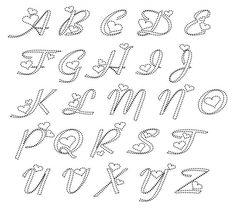 Patronen Letters, Cijfers, Teksten   Xanzeglitters.jouwweb.nl String Art Patterns Letters, String Art Letters, String Art Templates, Nail String Art, Embroidery Cards, Embroidery Patterns, Diy Wall Art, Diy Art, Hand Lettering Alphabet