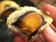 [烘焙菜鳥日誌] 今年推出最後一款月餅「烏豆沙蛋黃酥」中秋告一段落! ~ 食指大動%Food-Funs