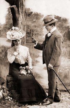 1900s  fashion couple www.fashion.net